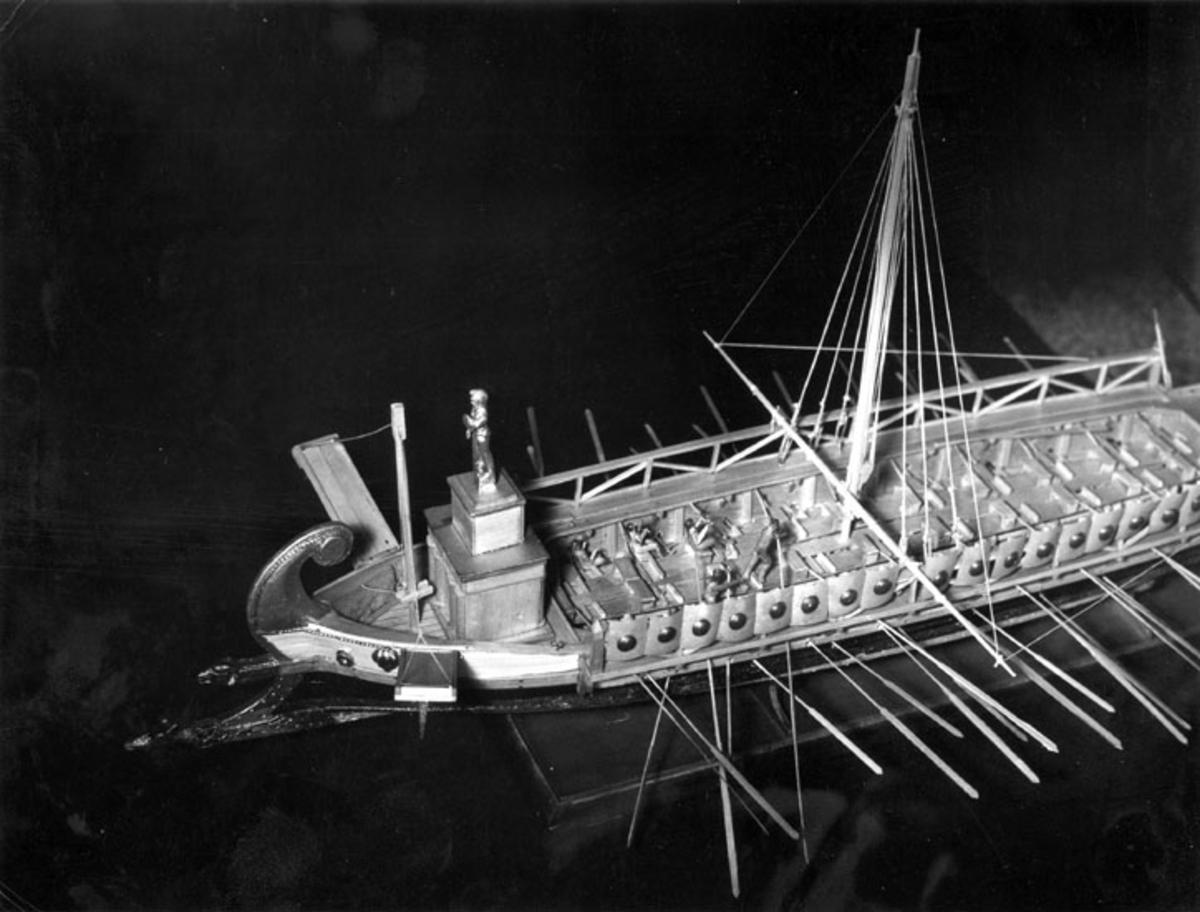 A model of a trireme