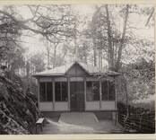 Norrby brunn vid sekelskiftet 1800-1900. Hörn präglat med 1899.