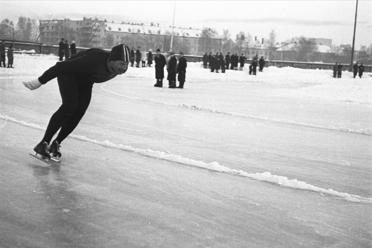 "Skøyteløp på Stadion. Hjalmar Andersen (""Hjallis) (Foto/Photo)"