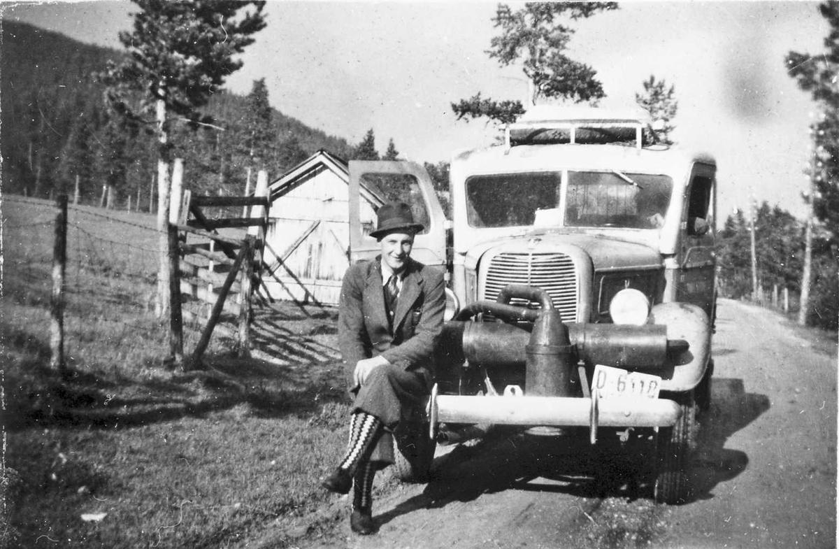 Mann, bil, generator, Grimsbu (Foto/Photo)
