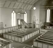 Långhuset i Oskars kyrka från läktaren.
