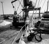 Arbete vid hamnen i Oskarshamn.