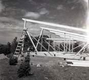 Byggnadsarbete vid Gärdslösa badplats, 3/6 1957.