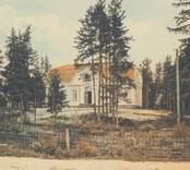 Kolorerat vykort från Nybro med motiv av Sjukstugan