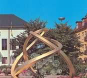 Skulpturen Glas i Centrum vid Stora hotellet i Nybro, gjord av Vicke Lindstrand och invigd 1968.