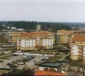 Foto från Nybro. I bakgrunden skymtar Nybro cementguteri.