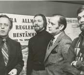 Utställningen av Nybro kommunalplan 1978. Från vänster: Bernt Söllscher, K-konsult, Göran Morsing, stadsarkitekt, Torsten Pettersson, byggnadsnämndens ordförande, k-konsult.