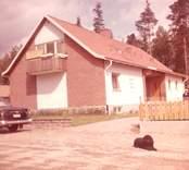 Bilder från fastigheten Tickan 5 på Hallandsgatan, Nybro. Huset nybyggt, 1962