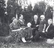 Familjen John Johansson.  1 John Johansson, gift med 2 Alis  barn: 3 Irma Johansson 4 Inez Johansson, g. Åström 5 Ivan Johansson 6 Göte Johansson