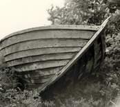Fören på en upplagd marknadsbåt.