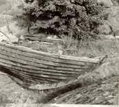 """Marknadsbåten """"Helena"""", närbild på kölen."""