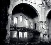 Örsjö kyrka är en centralkyrka.  Vid en brand påsken 1974 lämnades endast murväggarna kvar. Kyrkan återuppbyggdes på rekordtid, och med ny interiör ritad av arkitekt Jerk Alton återinvigdes den i september 1976.