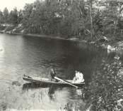 Erik Vallin, Selma o Ingeborg på utflykt med båt i Hjorted.