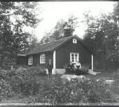 Ett äldre par i Sandsnäs, Hjorted.