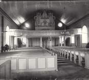Interiör mot orgelläktaren i Hjorteds kyrka.