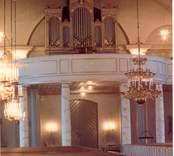 Interiör från Lofta kyrka. Fotot är taget innan den renoverades 1992.