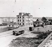 Järnvägsstation vid hamnen i Västervik.