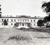 Gränsö slott är en herrgård i Västerviks kommun. Byggnaden ligger på Gränsö, cirka fyra kilometer  utanför Västervik.