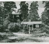 Hjorted Misterhults s.n, Mörtfors badort, stugor i naturmiljö,
