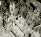 Tillverkning av taggtråd till försvaret. Maskinerna finns kvar av beredskapsskäl.