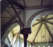 Interiör från Gladhammars kyrka.