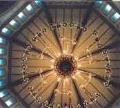 Ljuskrona i Gladhammars kyrka.