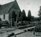 Blekhemska graven vid korväggen på Törnsfalls kyrkogård.
