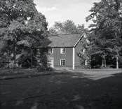 Bostadsflygeln på prästgården i Hallingeberg.