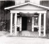 N.P. Karlssons hus i Asögle by.  Foto Nordiska museet 1918