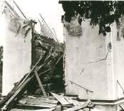 Hälleberga kyrka: Kyrkan brann ner 1976-10-18. Branden orsakades av ett elfel. Tornet innan rivningen från SV.