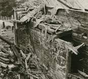 Hälleberga kyrka: Kyrkan brann ner 1976-10-18. Branden orsakades av ett elfel. Tornet i detalj.