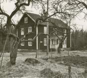 Småland Kristdala socken Bankhult (Regnellsgården)  Byggnad sydöst om huvudbyggnaden (flygel).