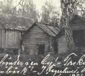 """Ett foto med påskriften """"Tre bönder i by ! Tre kvarnar i en bäck ! i Fagerhults socken 1921."""""""