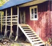 Återuppbyggnad av sågen i Liskatorp sommaren 2003.