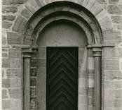 Norra korsarmens portal på Gärdslösa kyrka.