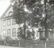 Motiv från Falsterbo bruk, huvudbyggnaden sedd från vägen.