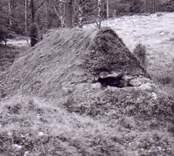 Rekonstruktion av en kolmila i Barkeström.