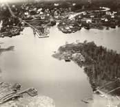 Boningshus. Längd 14,5 m. Bredd 6 m. Sett från sydost. Härtill ett foto från sydväst. Foto:M.Dyfverman 1937