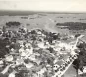 Boningshus. Längd 14,5 m. Bredd 6 m. Sett från sydväst. Härtill ett annat foto, från sydost. Foto:M.Dyfverman 1937