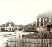 Torget med Hammars gård i mitten.
