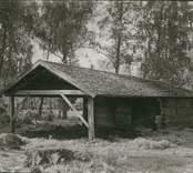 Foto:M.Dyfverman och M.Rehnberg 1937 Basta. (Brukas ihop med Herman Pettersson). Längd 10,2 m. Bredd 4m.