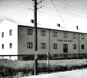 Degelfabriken Hapeco grundad 1919 i Malmö av Hans Propse, togs över av svenska staten och hamnade i Nybro, Glasriket, då Hans Propse var tysk. Köptes senare av en herr Leonard och hans tre söner. Såldes 1980 tillbaka till familjen Propse, Hans Propses barnbarn Claus, som senare (1994) sålde den till Jan Christians. Tillverkar deglar för glasmassa. Industrin flyttade sin verksamhet på 1950-talet till Peder Djups Gata 7, Nybro.