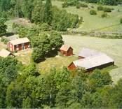 En gårdsmiljö i Bäckebo.