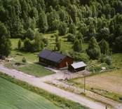 En villa med garage, och trädgård, i Döderhult.