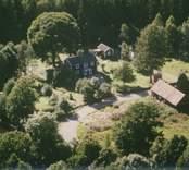 En gårdsmiljö i Sankt Sigfrids socken.