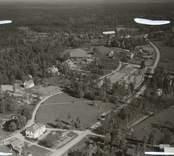 Flygfoto över Kråksmåla med bland annat ålderdomshemmet.