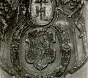 En gravhäll på Gladhammar kyrkogård.