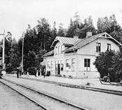 Utsikt över järnvägsstation i Gamleby.