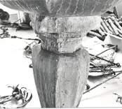 """Hälleberga kyrka brandskadad 1976-10-18. Dopfunten inför restaureringen. """"Anno 1653""""."""