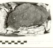 Arkeologisk undersökning 920330 - 921026  Boplats B. Anläggning 100, keramik.